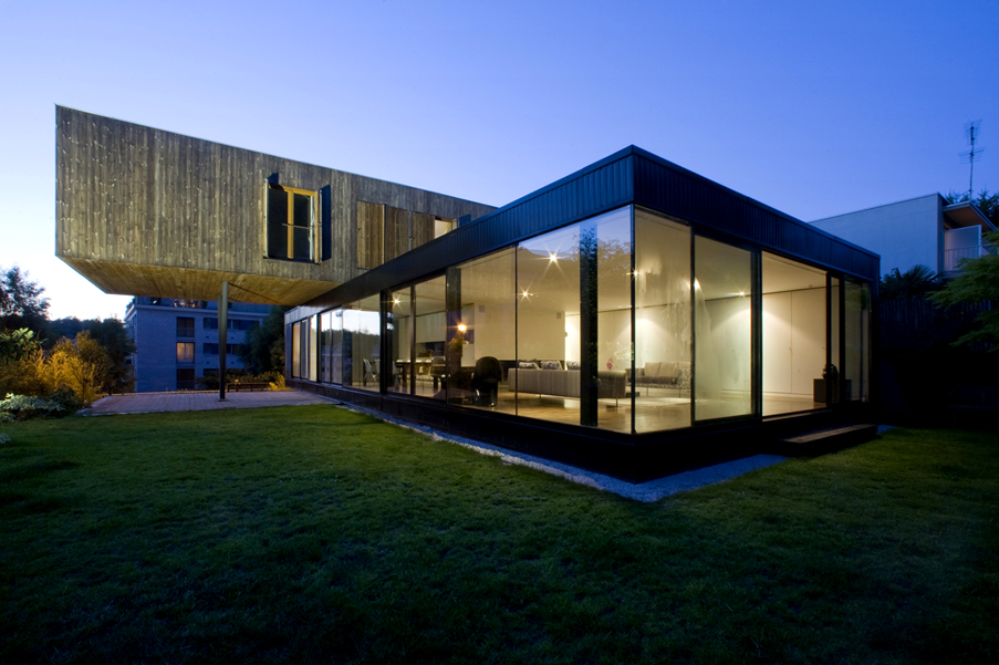 R house modern home design in france by colboc franzen for Modern house design blog